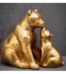 Bébé ours câlin et sa maman